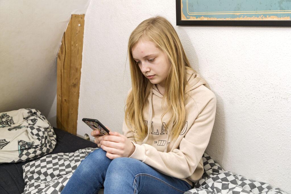 God opførsel online, sunde skærmvaner i familien, Folkekirkens Familiestøtte